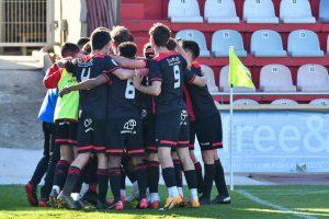 Victòria davant el Tortosa gràcies a una gran segona part del Juvenil (2-0)